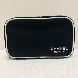 🖤 Chanel Beaute Cosmetic Bag